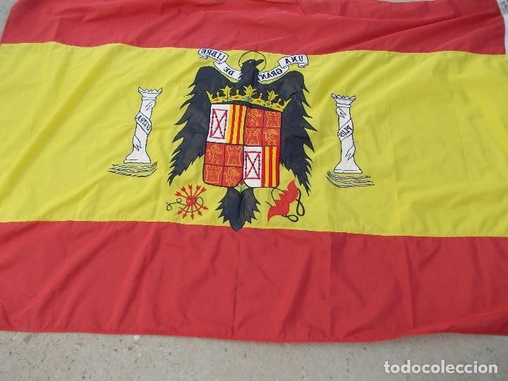 BANDERA DE ESPAÑA BORDADA CON AGUILA 100% NYLON 128X190 (Militar - Fotografía Militar - Otros)