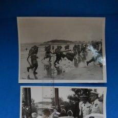Militaria: DOS FOTOGRAFÍAS DE PRENSA. DEMOSTRACIÓN EN SANTANDER MANIOBRAS NAVALES. FRANCO Y JUAN CARLOS I.. Lote 176461705