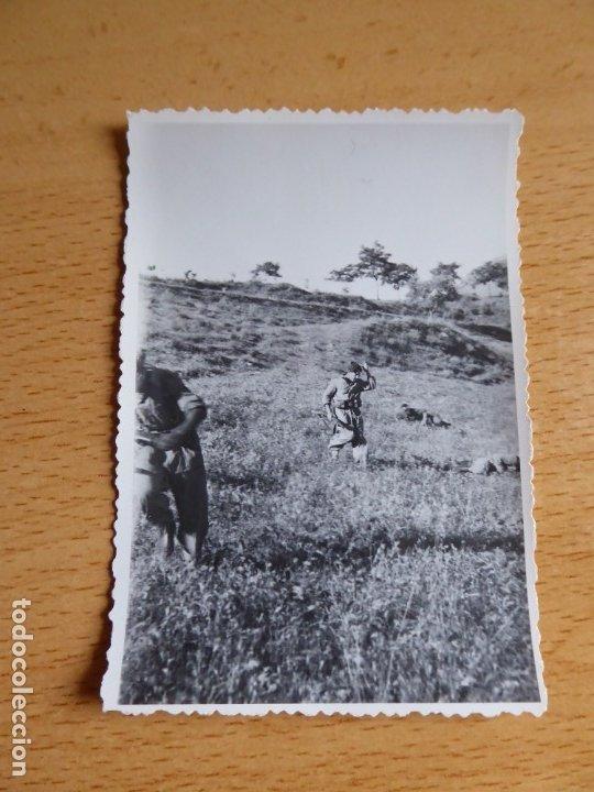 Militaria: Fotografía soldados del ejército nacional. Censura FET y JONS - Foto 2 - 177012654