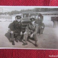 Militaria: FOTOGRAFÍA AUTOMÓVIL EJERCITO DE TIERRA AÑOS 40. Lote 177210267