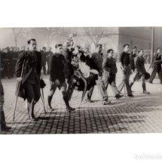 Militaria: MADRID.- FALANGE.REPRESENTACIÓN MUTILADOS DE GUERRA. ENTIERRO JOSE ANTONIO.16X11,5. Lote 177211409