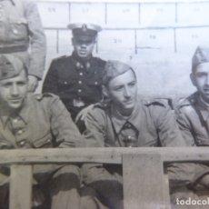 Militaria: FOTOGRAFÍA SOLDADOS INFANTERÍA DE MARINA. CARTAGENA 1947. Lote 177680014