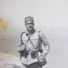 Militaria: FOTOGRAFÍA SOLDADO DEL EJÉRCITO ESPAÑOL. MELILLA . Lote 177742959
