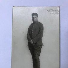 Militaria: ANTIGUO FOTOGRAFIA MILITAR DE ARTILLERIA, TRAJE FAENA, 1924, FOTO J. LLOPIS, VALENCIA. Lote 177830774