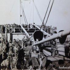 Militaria: FOTOGRAFÍA LEGIONARIOS BARCO ALMIRANTE LOBO. CEUTA. Lote 177834912