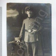Militaria: TARJETA POSTAL ANTIGUA. MILITAR DE LA 1ª GUERRA MUNDIAL. 1915. (13,7 CM X 8,8 CM). Lote 178024139