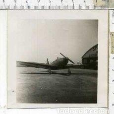 Militaria: FOTOGRAFIA DE UNA AVION FAIRCHILD PT-19 FABRICADO POR AERONICA JULIO 1946. Lote 178057172
