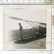 Militaria: FOTOGRAFIA DE UNA AVION COMPAÑIA AERONICA PILOTO JULIO 1946. Lote 178058785