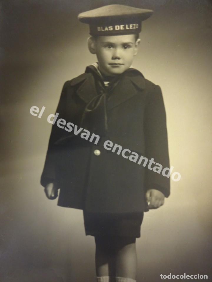 ANTIGUA FOTO DE NIÑO CON LEPANTO BLAS DE LEZO. AÑOS 1950S (Militar - Fotografía Militar - Otros)