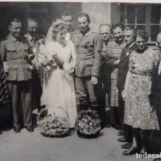 Militaria: SOLDADO DE LA WERHMACHT CONDECORADO CON ESPOSA Y FAMILIA . BODA. III REICH. AÑOS 1939-45. Lote 178301192