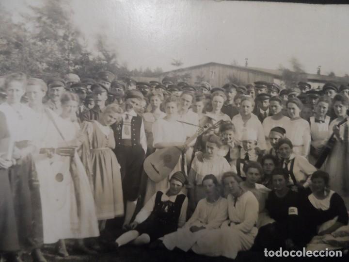 SOLDADOS IMPERIALES ALEMANES Y SEÑORITAS ALEMANAS. SCHLESWIG-HOLSTEIN. II REICH. AÑOS 1914-18 (Militar - Fotografía Militar - I Guerra Mundial)