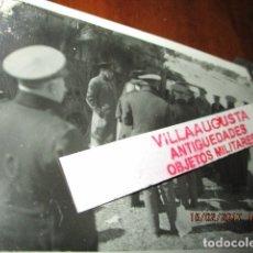 Militaria: FOTO ORIGINAL E INEDITA EN PLENA GUERRA CIVIL CORONELES Y OFICIALES REPUBLICA ZONA EBRO. Lote 178870477