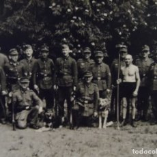 Militaria: GEBIRGSJÄGER CONDECORADOS DE LA WEHRMACHT CON PERROS PASTORES. AÑOS 1939-45. Lote 179107015
