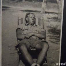 Militaria: SOLDADO LUFTWAFFE DESCANSANDO EN HAMACA. AFRIKA KORPS. AÑOS 1941-43. Lote 179108933
