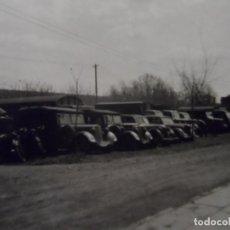 Militaria: VEHICULOS APARCADOS EN CAMPAMENTO MILITAR,AUTOBUSES,CAMIONES ,COCHES Y MOTOS. AÑOS 1939-45. Lote 180190521
