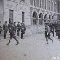 Militaria: FOTOGRAFÍA OFICIALES DEL EJÉRCITO NACIONAL. ACADEMIA CABALLERÍA VALLADOLID. Lote 180207262