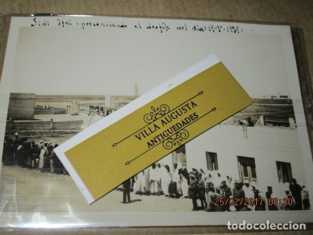 FOTO INEDITA DESFILE DE FIN DE GUERRA CIVIL ALTOS MANDOS 19 - V -1939 ESPERANDO (Militar - Fotografía Militar - Guerra Civil Española)