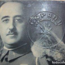 Militaria: FRANCO FOTO CON CUÑO O SELLO TROQUELADO DE FALANGE DE ESPAÑA. Lote 149490526