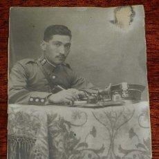 Militaria: FOTOGRAFIA DE GUARDIA CIVIL, EPOCA ALFONSO XIII, MIDE 13 X 8,5 CMS.. Lote 181461442