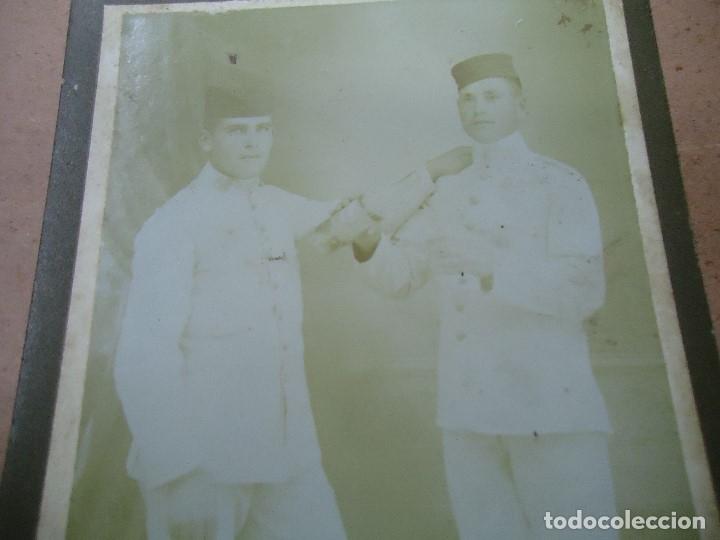 Militaria: ANTIGUA FOTOGRAFIA DE 2 MILITARES EJERCITO ESPAÑOL EN MELILLA . FOTOGRAFIA X - MIDE 14 X 8,5 CMS. - Foto 2 - 181789387