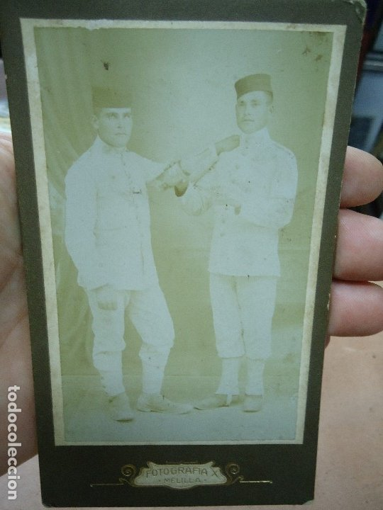 Militaria: ANTIGUA FOTOGRAFIA DE 2 MILITARES EJERCITO ESPAÑOL EN MELILLA . FOTOGRAFIA X - MIDE 14 X 8,5 CMS. - Foto 4 - 181789387