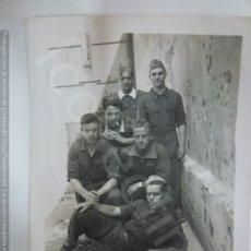 Militaria: FOTOGRAFÍA ORIGINAL. GUERRA CIVIL. SOLDADOS. (8,5 X 6 CM). Lote 182462093
