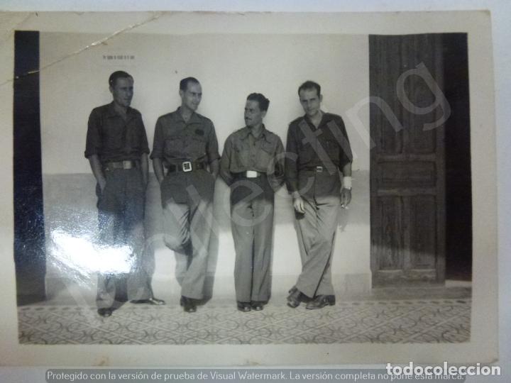 FOTOGRAFÍA ORIGINAL. GUERRA CIVIL. SOLDADOS. (8,5 X 6 CM) (Militar - Fotografía Militar - Guerra Civil Española)