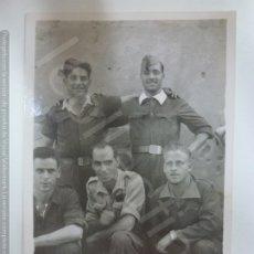 Militaria: FOTOGRAFÍA ORIGINAL. GUERRA CIVIL. SOLDADOS. (8,5 X 6 CM). Lote 182462320