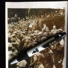 Militaria: FOTOGRAFÍA ORIGINAL DIVISIÓN AZUL DE PRENSA DE UN BATALLÓN DE MARCHA. Lote 182828412