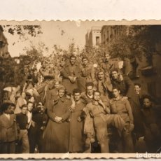 Militaria: MILITAR. FOTOGRAFÍA. MADRID RECIBE A LOS SOLDADOS..., DE PEQUEÑO TAMAÑO (H.1940?). Lote 183034321