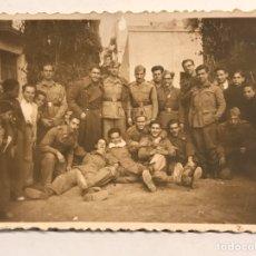 Militaria: MILITAR. FOTOGRAFÍA. MADRID RECIBE A LOS SOLDADOS..., DE PEQUEÑO TAMAÑO (H.1940?). Lote 183034451