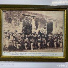 Militaria: CUADRO. FOTO ENMARCADA TROPAS ESPAÑOLAS EN FILIPINAS. RECUERDO DE UN TENIENTE CORONEL.. Lote 183275411