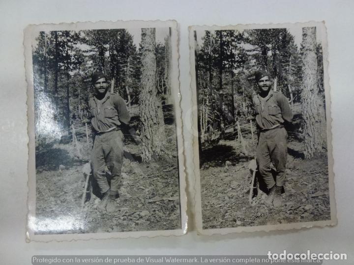 LOTE DE 2 FOTOGRAFÍAS ANTIGUAS. SOLDADO DURANTE LA GUERRA CIVIL. 1938. (8,6 CM X 6,3= (Militar - Fotografía Militar - Guerra Civil Española)