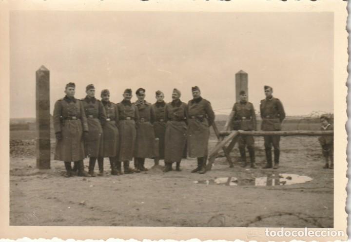 Militaria: LOTE DE 6 FOTOS DE SOLDADOS DE LA WEHRMACHT Y ESCENARIOS BÉLICOS - (NAZISMO, SEGUNDA GUERRA MUNDIAL) - Foto 6 - 183674393