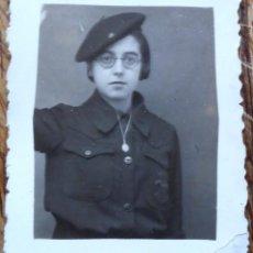 Militaria: FOTO DE UNA FALANGISTA, ENERO DE 1937. Lote 184457820