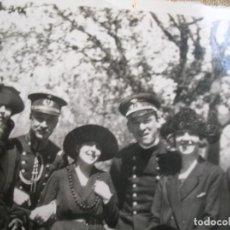 Militaria: MUY BELLA FOTOGRAFIA ORIGINAL DE OFICIALES ALFONSINOS. PRINCIPIOS DE SIGLO XX.. Lote 184763355