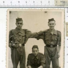 Militaria: FOTOGRAFIA MILITAR SOLDADOS DE REGULARES SIDI -IFNI. Lote 184796765