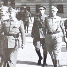 Militaria: FRANCISCO FRANCO Y EL TENIENTE CORONEL YAGÜE EN SEVILLA. JULIO DE 1936. Lote 185982938