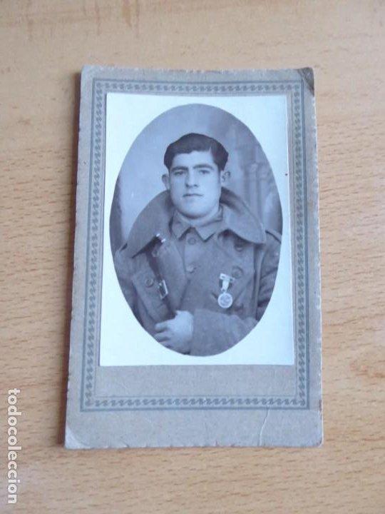Militaria: Fotografía soldado del ejército español. Medalla de campaña - Foto 2 - 186019282