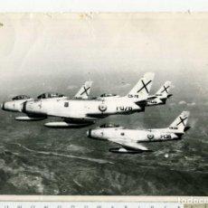 Militaria: FOTOGRAFIA AVION EL NORTH AMERICAN F-86 SABRE EJERCITO DEL AIRE. Lote 186352561