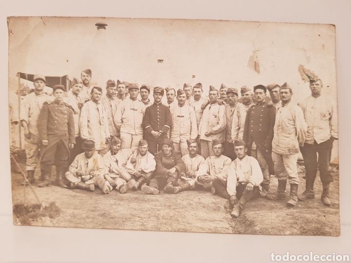 CARTA POSTAL/ MILITARES I GUERRA MUNDIAL POSANDO/ ORIGINAL DE EPOCA/ 9× 14 CTM (Militar - Fotografía Militar - I Guerra Mundial)