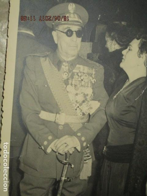 ALTO MANDO CON UNAS 30 MEDALLAS EN EL UNIFORME MADRID 1956 EXCOMBATIENTE EN GUERRA CIVIL (Militar - Fotografía Militar - Otros)