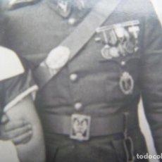 Militaria: DIVISION AZUL : FOTO GUARDIA CIVIL EX DIVISIONARIO, MEDALLAS INVIERNO, ETC, PLACA ASALTO INFANTERIA. Lote 188576580