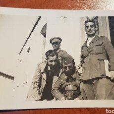 Militaria: FOTOGRAFIA GUERRA CIVIL OFICIALES FRANQUISTAS CON PERRO. Lote 189229148