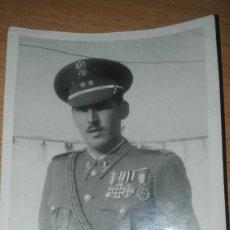 Militaria: FOTOGRAFIA TENIENTE INGENIEROS DIVISION AZUL CON CRUZ DE HIERRO.. Lote 189238228