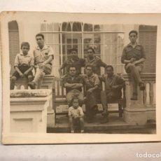 Militaria: MILITAR. VALENCIA Y LA REPUBLICA??, FOTOGRAFÍA GRUPO DE VOLUNTARIOS CON SUS HIJOS... (H.1934?). Lote 189801051