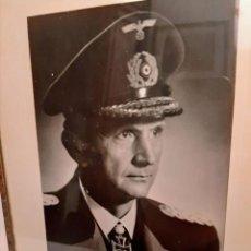 Militaria: FOTOGRAFIA DE DOENITZ DEDICADA A MANO Y FIRMADA.. Lote 190199910