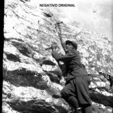 Militaria: NEGATIVO SOLDADO FIAMME NERE CTV ITALIANO NORTE BUROOS MERINDADES GUERRA CIVIL 1937. Lote 190499165