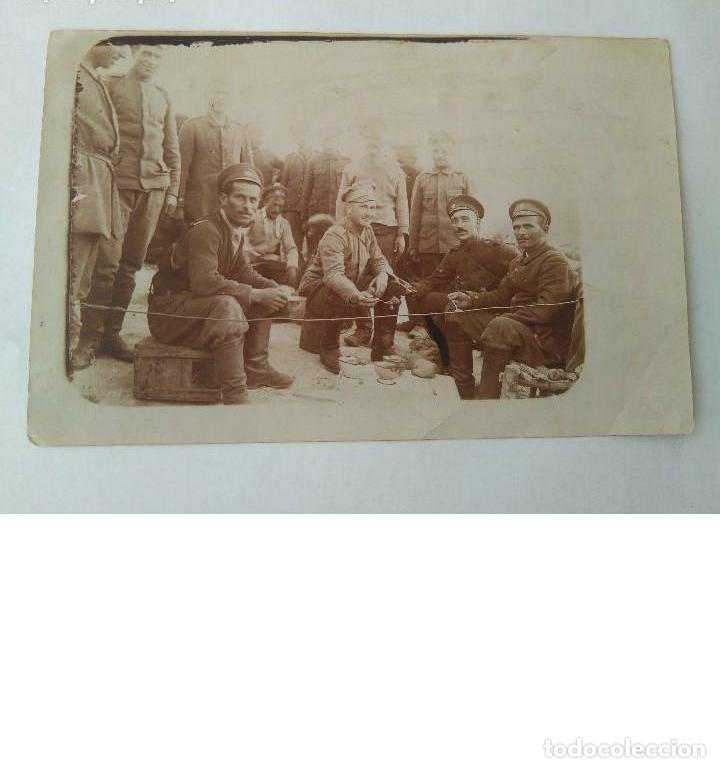 ANTIGUA FOTO MILITAR DE I GUERRA MUNDIAL DE SOLDADOS RUSOS HECHA EN CAMPO DE BATALLA 23 II 1918 ORIG (Militar - Fotografía Militar - I Guerra Mundial)
