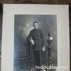 Militaria: FOTO DE GRAN TAMAÑO DE MILITAR DEL CUERPO INTENDENCIA EN EL REINADO DE ALFONSO XIII. Lote 190813397